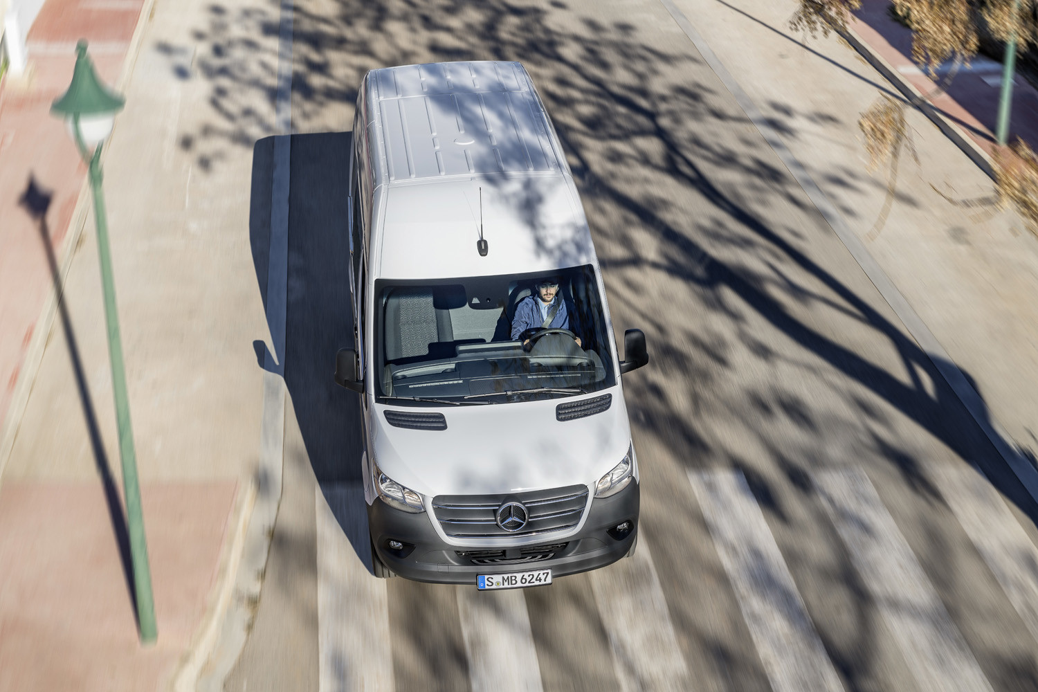 Foto de Mercedes-Benz Sprinter 2018 (16/64)