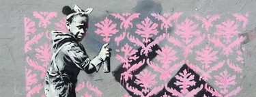 """Banksy vuelve a París y """"bombardea"""" sus calles de impresionantes denuncias racistas"""