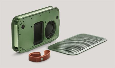 A2 en color verde, en el que podemos ver los detalles internos de los drivers