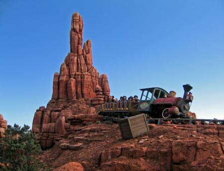 Si vistas Disneyland París este año, atento, te vas a encontrar cerradas estas atracciones