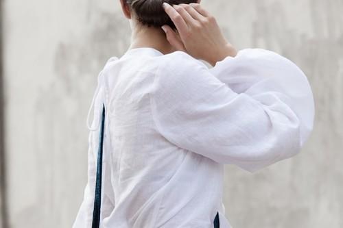 Las blusas y vestidos tiroleses son el último hit entre las influencers, ninguna se ha resistido