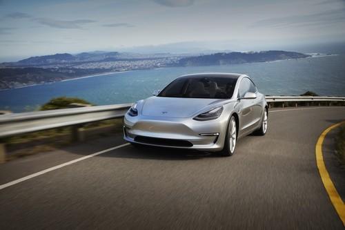 Tesla Model 3 contra sus competidores. ¿Hasta qué punto revolucionará el mercado?