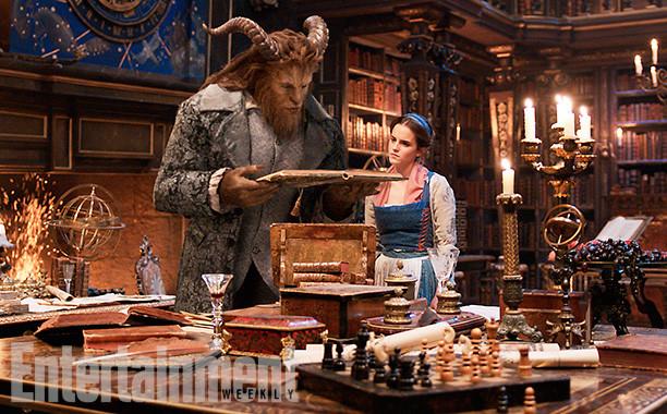 Foto de 'La bella y la bestia', imágenes oficiales con los protagonistas del remake de Disney (7/9)