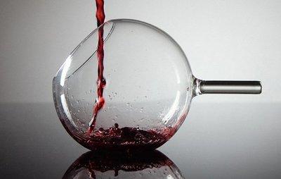 rEvolution de Jakobsen, copas de vino sin pie