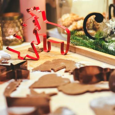 Cómo montar una cesta de Navidad casera: qué productos no pueden faltar (y 78 recetas perfectas para regalar)