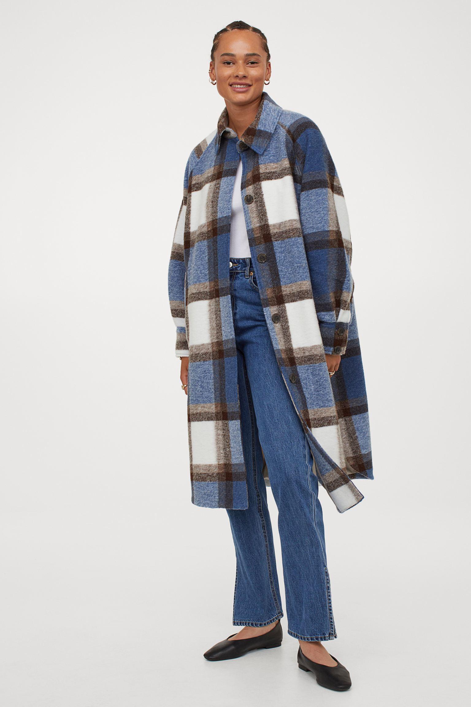 Abrigo oversize con lana en la trama.
