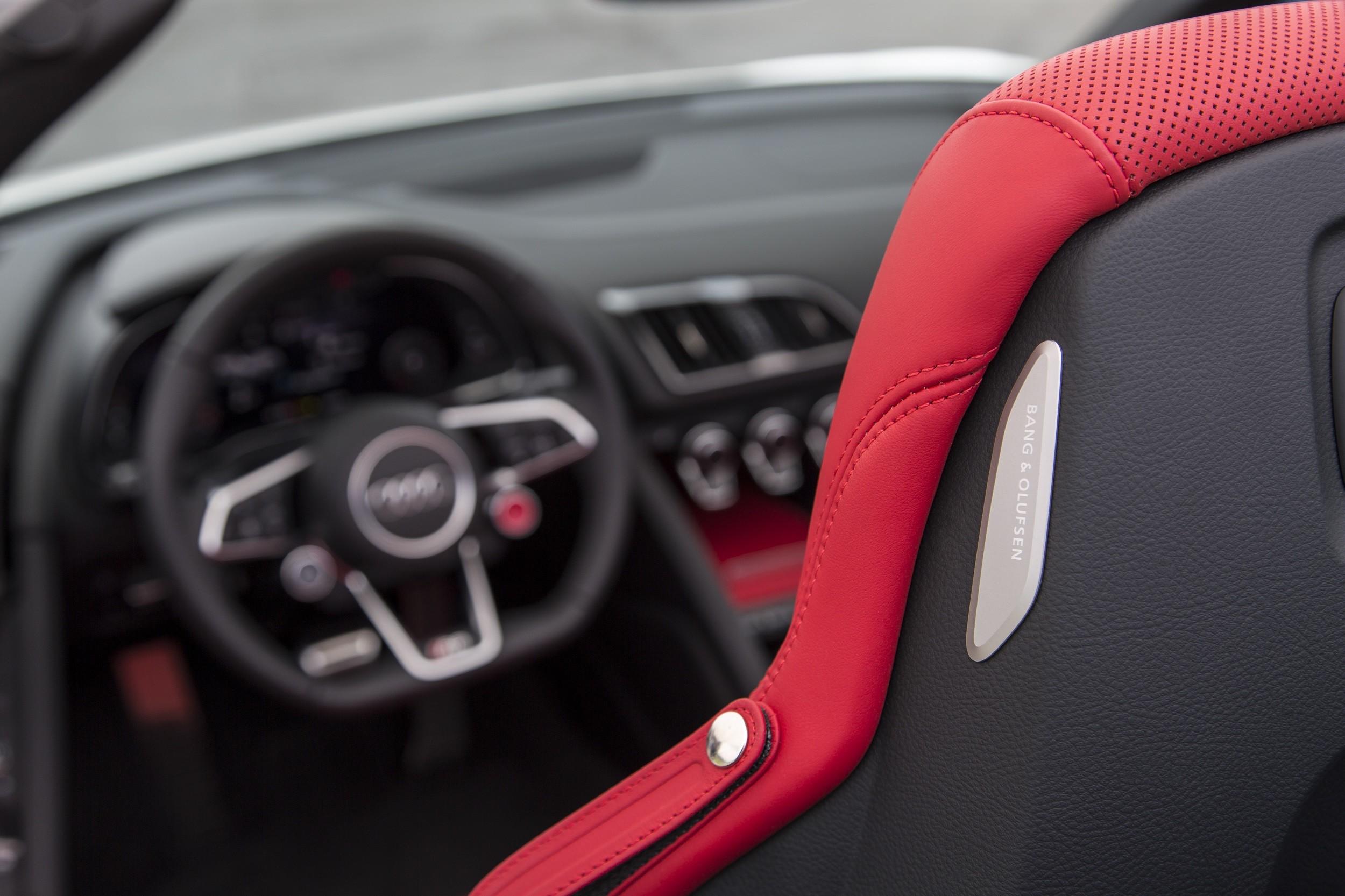 Foto de Audi R8 Spyder (33/38)