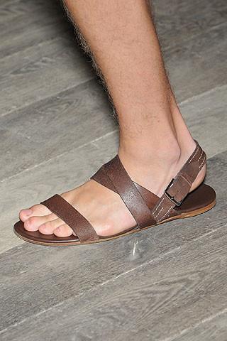 Las sandalias son para el verano: Alexander McQueen