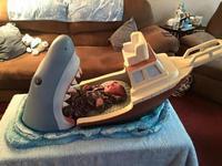 """¿A que no pondrías a tu bebé aquí? Una cuna inspirada en """"Tiburón"""""""