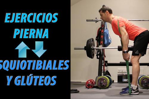 Cinco ejercicios de glúteo e isquiotibiales con poco (o sin) material