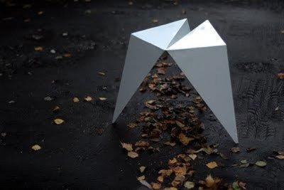 Mesas y asientos inspirados en Origami