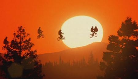 Steven Spielberg: 'E.T., el extraterrestre', el gran amigo que cayó del cielo
