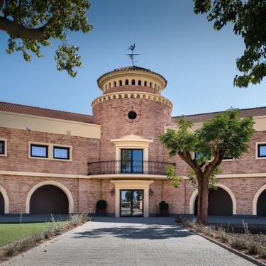 Espacios para trabajar: impresionante edificio histórico en Sevilla rehabilitado por Lalzada