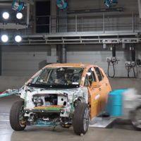Volkswagen estrella en este vídeo el eléctrico ID.3 para mostrar su novedoso airbag lateral en el centro del coche