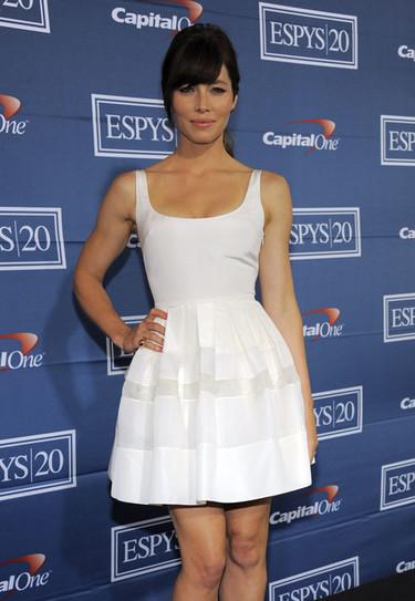 El look de Jessica Biel de Dior: una lady like de blanco