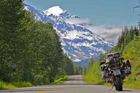América en moto. Alaska, dos fronteras y medio ocaso