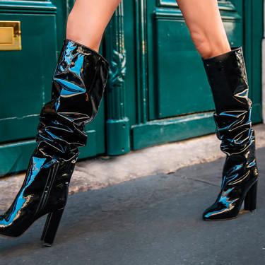27 botas altas y botines negros: el calzado de invierno que combina con todo