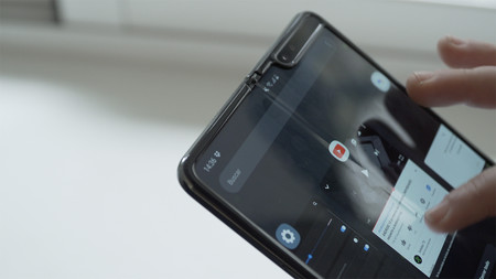 Samsung Galaxy Fold Anna 02