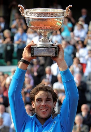¿Dónde narices meterá Rafa Nadal las seis ensaladeras que ya tiene del Roland Garros?