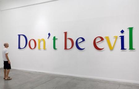 Google dice (casi) adiós a su célebre mantra 'Don't be evil'