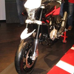 Foto 6 de 12 de la galería husqvarna-nuda-900r-fotos-presentacion-a-la-prensa en Motorpasion Moto
