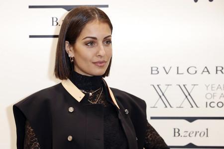 Hiba Abouk estrena corte de pelo luciendo un carísimo look de una de las marcas francesas más cotizadas