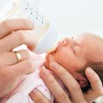 ¿Comprarías leche materna por internet? Los médicos alertan del peligro que tiene hacerlo