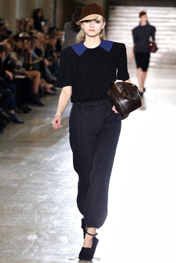 Foto de Miu Miu Otoño-Invierno 2011/2012 en la Semana de la Moda de París: Miuccia Prada al rescate (17/20)