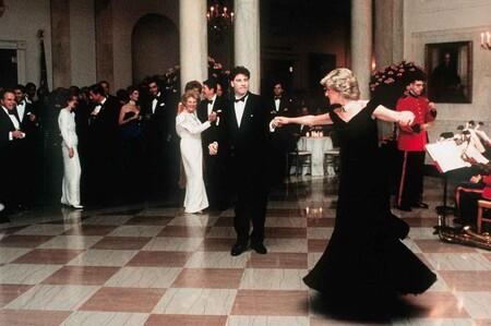 Subastan El Iconico Vestido Que Lady Diana Llevo Para Bailar Con John Travolta DestacadaVictor Edelstein