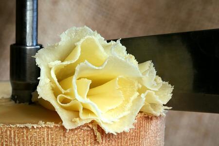La tentación nació en una abadía suiza, tiene forma de flor y se llama Tête de Moine AOP