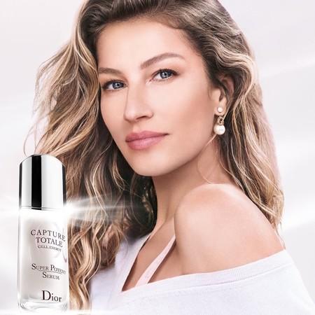 Gisele Bündchen protagoniza su primera campaña con Dior presentando la nueva línea de Capture Totale para una piel más joven