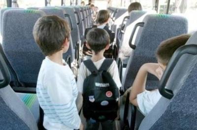 ¿Son seguros los autocares escolares?