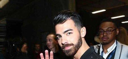 Gracias a Zara ya podrás conseguir el look de Joe Jonas en los Grammy sin gastar una fortuna