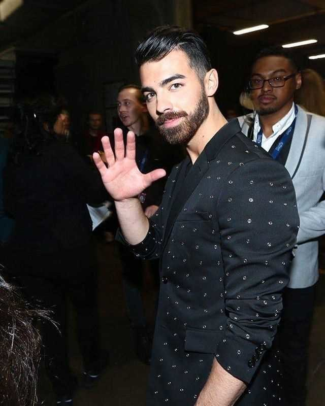 Gracias A Zara Ya Podras Vestir Como Joe Jonas En Los Grammy Sin Gastar Una Fortuna 1