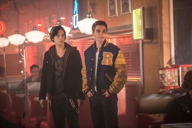 'Riverdale' tendrá segunda temporada en The CW