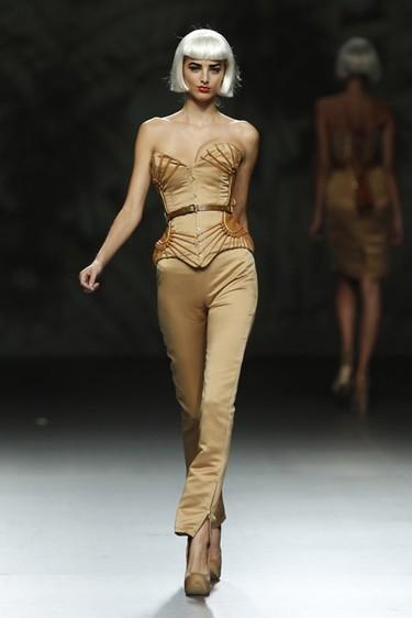 Maya Hansen Primavera-Verano 2012: la seducción del corsé