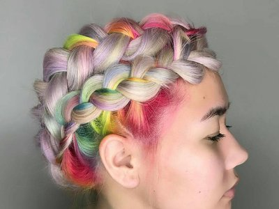 #RainbowRoots, la nueva tendencia capilar que hará que dejes de esconder las raíces