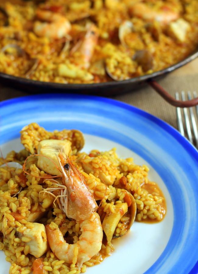 Paella f cil de pescado y marisco receta vida sana ecuador - Paella de pescado ...