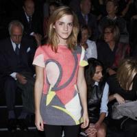 Emma Watson en los desfiles de Giambattista Valli, Yves Saint Laurent y Chanel