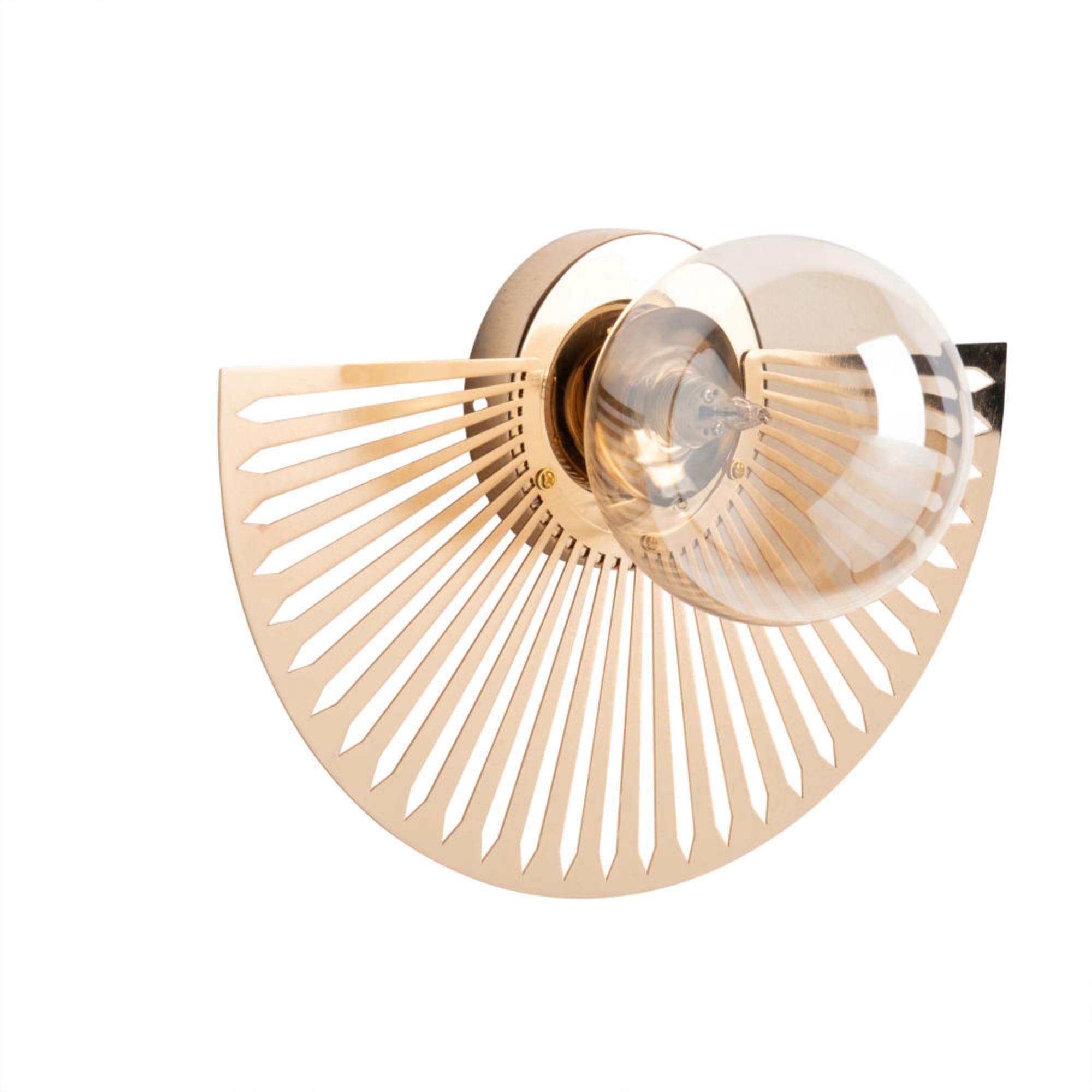 Aplique de metal color bronce y cristal
