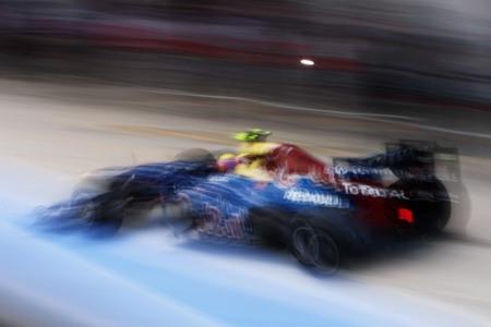 Mark Webber se lleva el gato al agua en Silverstone