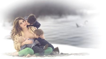 """""""Las Diosas de la lactancia"""": impresionante serie fotográfica de madres dando el pecho"""