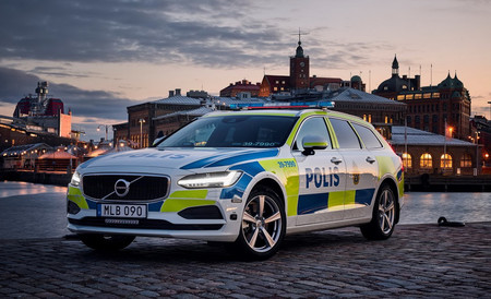 La policía sueca estrena el Volvo V90 como coche patrulla en 2017