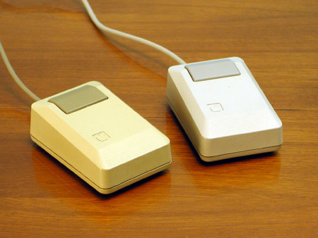 2012 11 27 Apple Macintosh Plus Mouse
