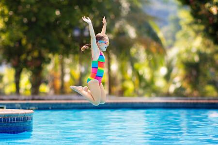Verano y niños: cómo evitar infecciones en la piscina