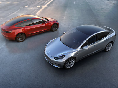 En el 'pequeño' Tesla Model 3 no hay espacio para la 'superbatería' de 100kWh