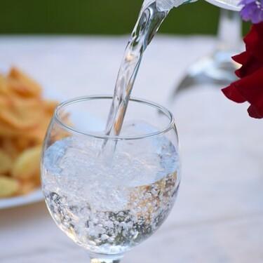 Estos son algunos de los beneficios de beber más agua regularmente