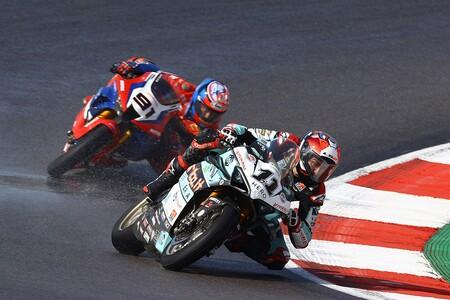 Loris Baz deja MotoAmerica para volver a las Superbikes: cambiará su Ducati Panigale V4 R por una BMW M 1000 RR