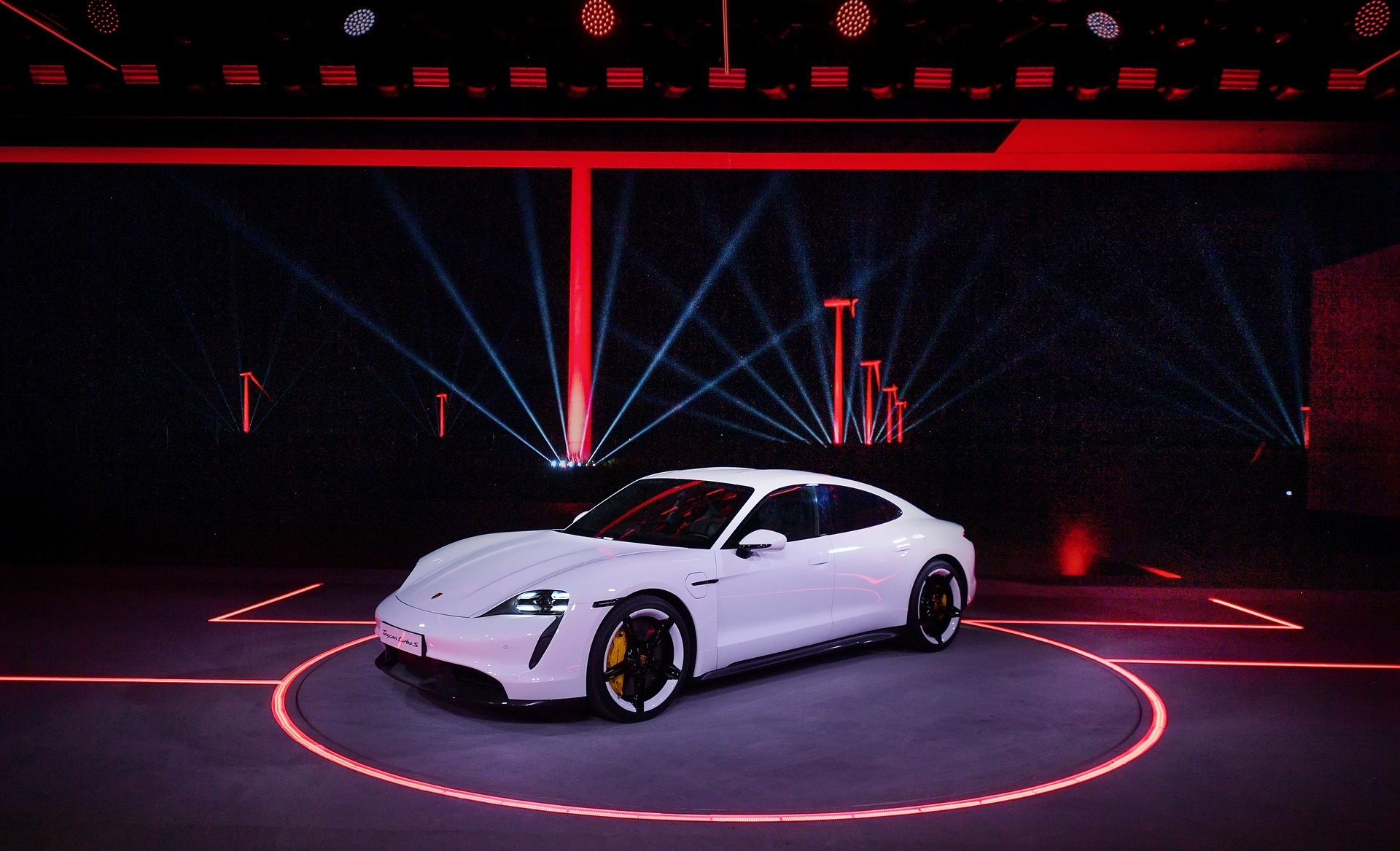 Foto de Porsche Taycan (8/29)