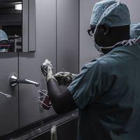 El gabinete de la Dra. Alexa: lo que el acuerdo entre Amazon y Reino Unido nos dice sobre el futuro cercano de la medicina digital